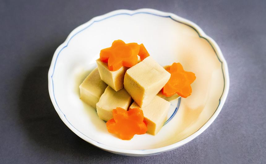 高野豆腐と人参の甘煮